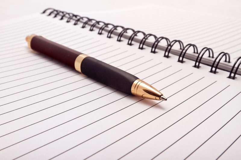 Wie schreibe ich eine professionelle Zusammenfassung?